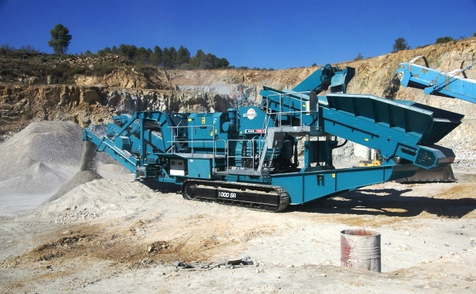 Powerscreen Cone Crusher Maxtrak 1000 for hire in Rutherford