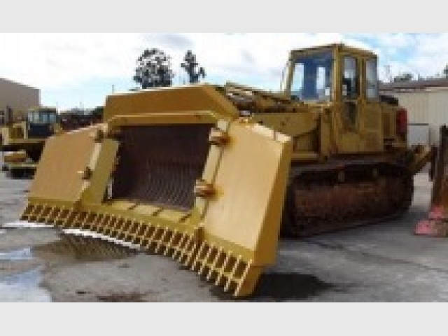 Caterpillar 973 track loader for hire in dalby qld 4405 caterpillar 973 track loader publicscrutiny Choice Image