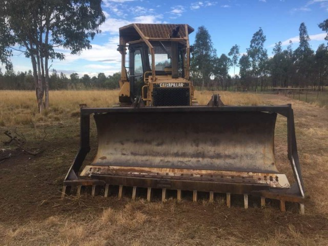D5 w/PAT blade for hire in Kilcoy, QLD 4515