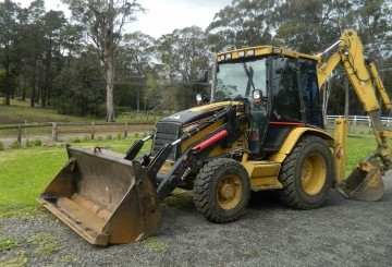 4x4 CAT 432D Backhoe