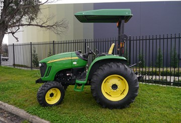 66HP JOhn Deere 4720 Tractor with ROPS