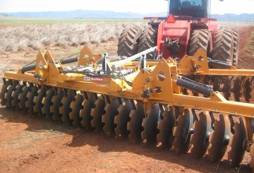 Heavy Duty Disc Ploughs