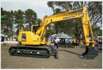 Komatsu pc138 us-2 Excavator w attachments
