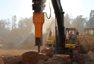 Rockbreakers to suit machines weighing 2 - 90 tonne