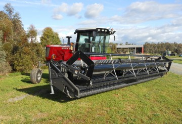 Self Propelled Mover conditioner / windrower