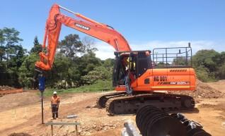 *AVAILABLE FOR DRY/WET HIRE * Doosan DX225LC 22 tonne Excavator 1