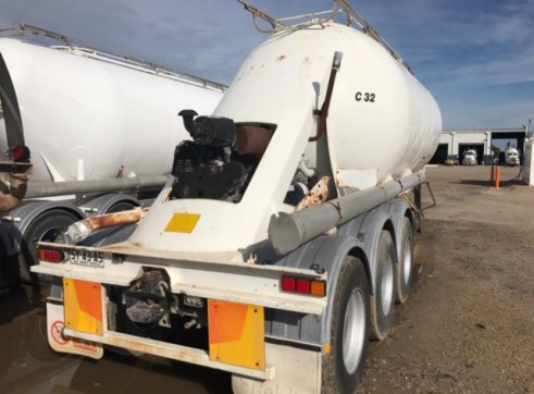 1 x Cement / Lime Site Storage Tanker 3