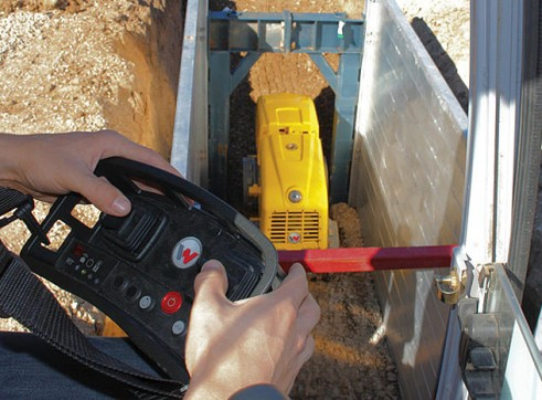 1.5T Remote Trench Roller 2