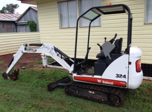 1.6T Bobcat Mini Excavator 1
