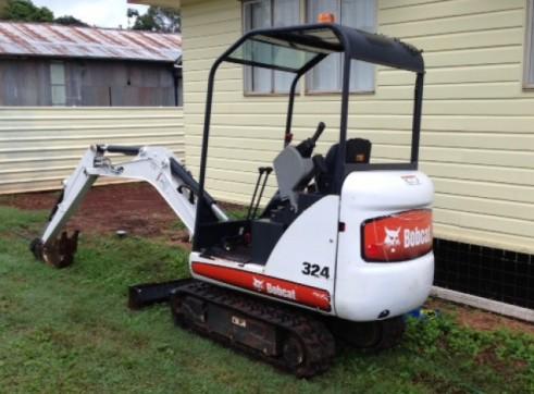 1.6T Bobcat Mini Excavator 3