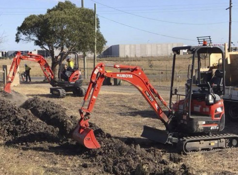 1.7T Kubota U17 Zero Turn Excavator 6