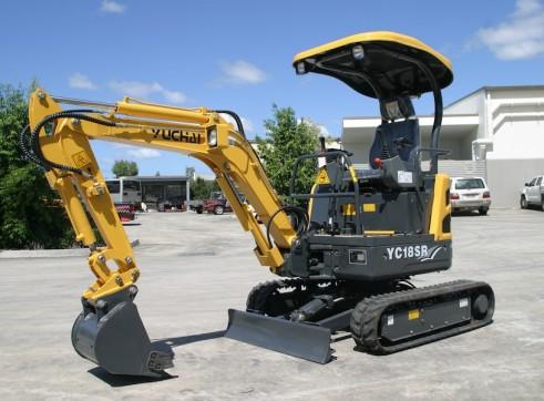 1.8ton Zero Swing Excavator Yuchai YC18SR 1