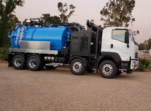 10,000 Litre Vacuum Excavation Truck 1