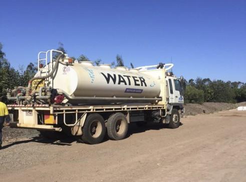 10,000L Isuzu Water Truck 1
