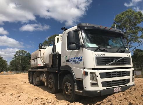 10,000L Vacuum Excavation Truck 1
