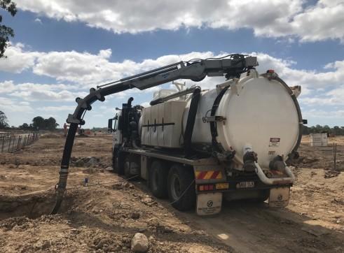 10,000L Vacuum Excavation Truck 4
