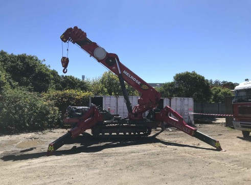 10 Tonne UNIC Mini Crawler Crane 1