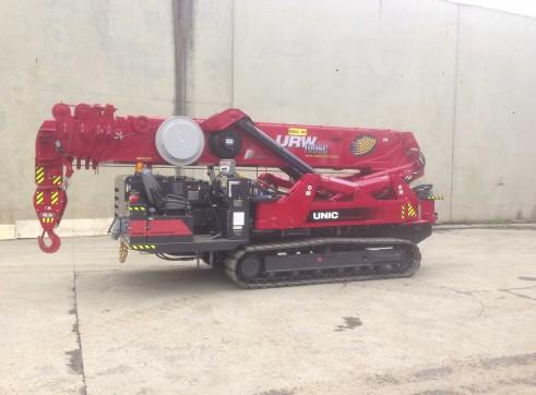 10 Tonne UNIC Mini Crawler Crane 3
