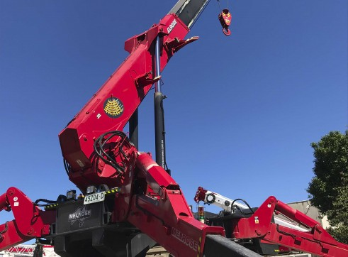 10 Tonne UNIC Mini Crawler Crane 6