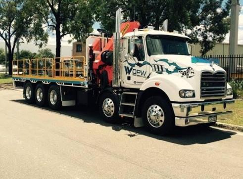 10 Wheeler Crane Truck 1