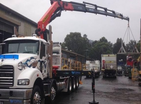 10 Wheeler Crane Truck 4