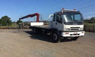 10.5T Rear Mount Crane Truck w/7.6m tray 1