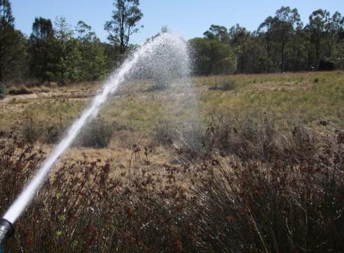 1000L water trailer w/ hose reel & dust suppression sprayer 3