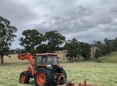 100HP 4x4 Kubota Tractor 1