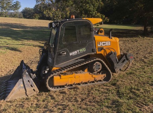 100HP JCB Posi-track w/rippers & forestry mulcher