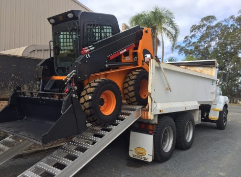 10m3 Tandem Drive Tipper & 100HP Skid Steer Loader Combo
