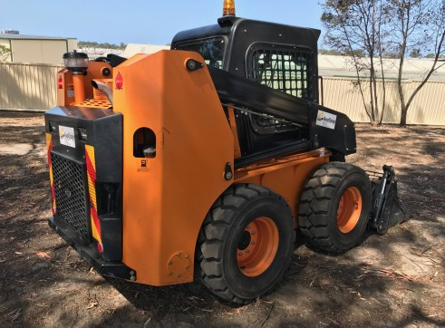 10m3 Tandem Drive Tipper & 100HP Skid Steer Loader Combo 6