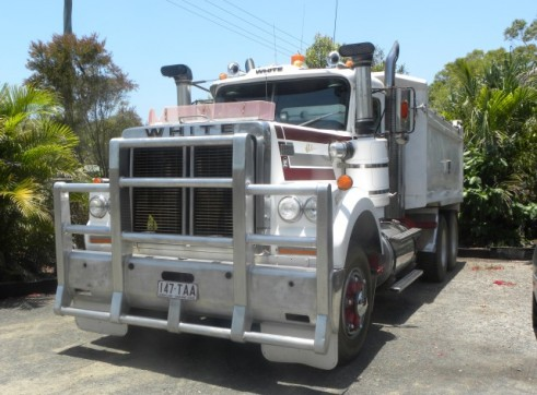 11 Tonne White Road Boss Tipper Bogie Drive 1
