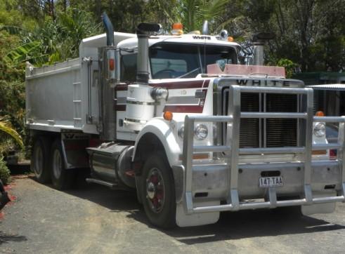11 Tonne White Road Boss Tipper Bogie Drive 3