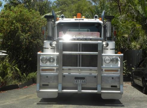 11 Tonne White Road Boss Tipper Bogie Drive 2