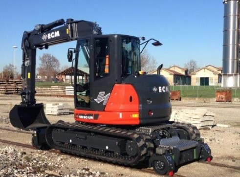 11.5T  ECM ES 95 HR Hy-Rail Excavator 2