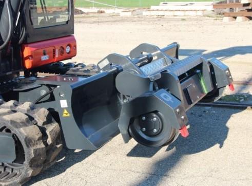 11.5T  ECM ES 95 HR Hy-Rail Excavator 3