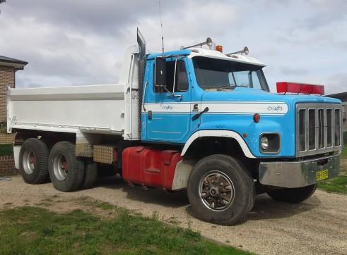 11T Bogie Tipper, Skid steer and Excavator combo hire 1