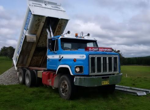 11T Bogie Tipper, Skid steer and Excavator combo hire 3