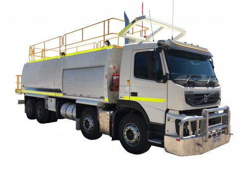 12,000L Volvo FMX 8x4 Service Truck 1