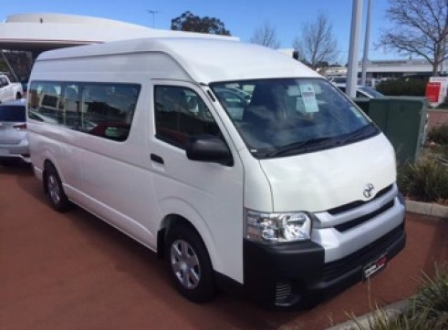 12 or 14 Seater Hiace 3.0 L Turbo Diesel C/Bus Automatic Trans