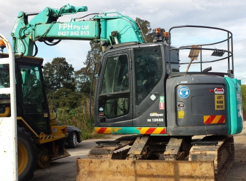 12 Ton to 16 Ton Zero Tail Offset boom Excavator Kobelco SK135SR 2