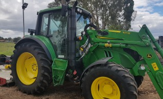 125HP 4WD Tractor with Front end loader 1