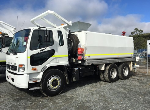 13,000L 6x4 Water Truck with ROPS 2