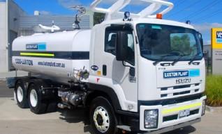 13,000L Isuzu Bogie Drive Water Truck 1