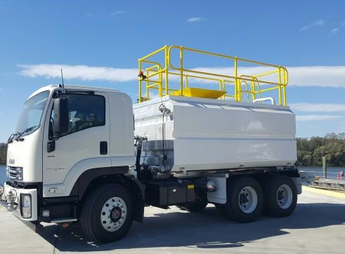 13,500 lt Water Truck 1