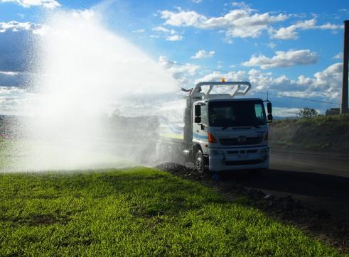 13,500L Mine Spec Water Trucks 3
