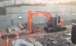 13.5t Excavator 1