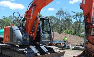 13.5T Hitachi ZX135US Excavator 1
