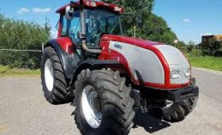 135HP Valtra Tractor 1
