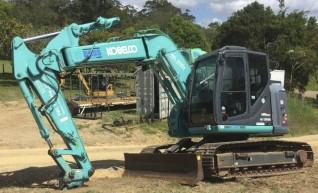 13T Kobelco Excavator w/ROPS & FOPS 1